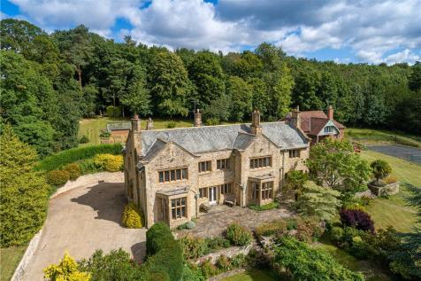 Pickering Road, Thornton-le-Dale, Pickering, North Yorkshire. 5 bedroom equestrian facility for sale