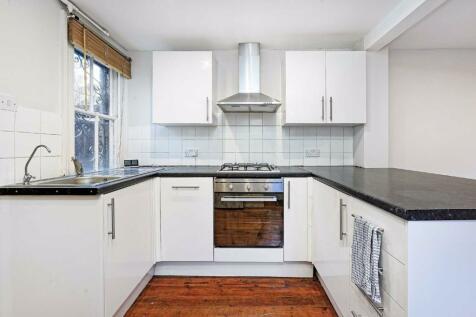 Ryde Vale Road, Balham. 2 bedroom flat