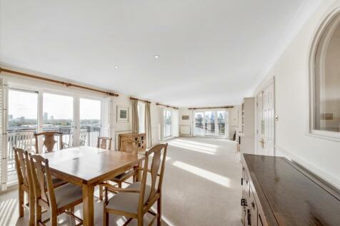 Victoria Wharf, 46 Narrow Street, London, E14. 3 bedroom flat for sale