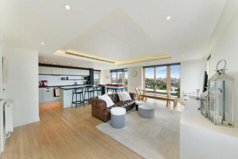 Binnacle House, Cobblestone Square, London, E1W. 3 bedroom flat