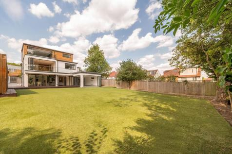 Holders Hill Crescent, London, NW4. 5 bedroom detached house