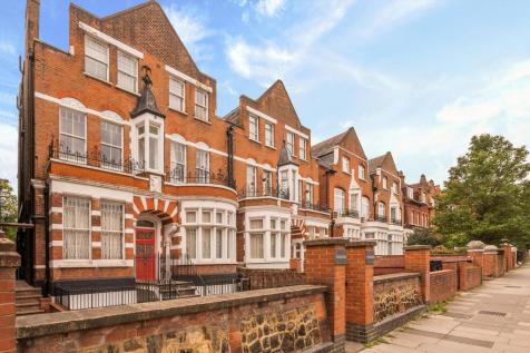 Broadhurst Gardens, London, NW6. 3 bedroom flat for sale