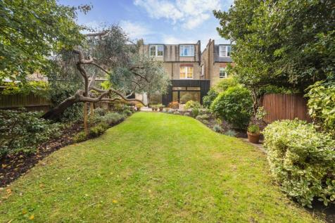 Aberdare Gardens, London, NW6. 4 bedroom flat for sale