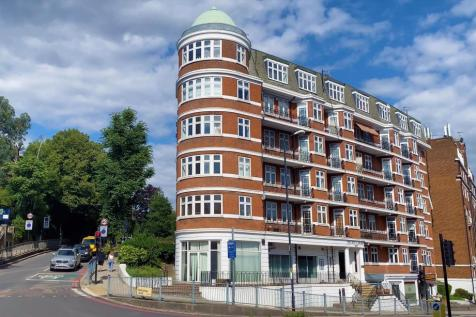 Finchley Road, London, NW3. 3 bedroom flat for sale