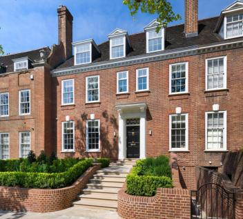 Ilchester Place, Holland Park, London, W14.. 7 bedroom terraced house