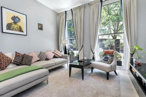 Wickham Court, 7-8 Ashburn Gardens, London, SW7. 3 bedroom flat for sale