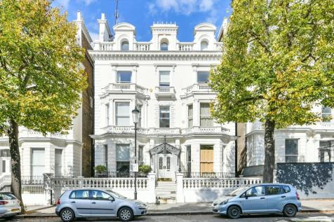 Holland Park, London, W11. 3 bedroom flat for sale