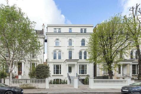 Pembridge Crescent, Notting Hill, London, W11. 3 bedroom flat for sale
