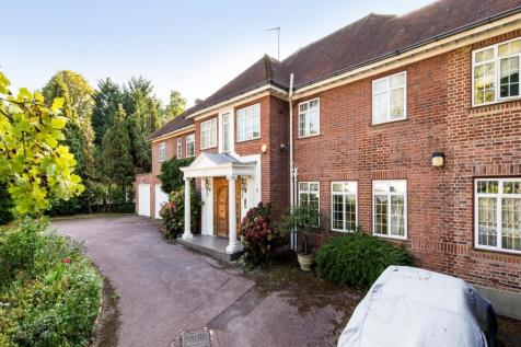 White Lodge Close, The Bishops Avenue, Hampstead Garden Suburb, London, N2. 9 bedroom detached house for sale