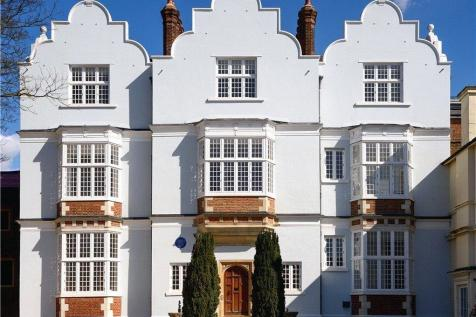 Flat 6, Eagle House, High Street, Wimbledon Village, London, SW19. 3 bedroom flat for sale