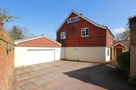 Coombe Hill Road, Kingston upon Thames, KT2. 6 bedroom detached house for sale
