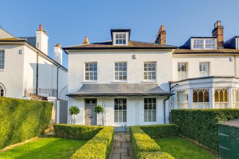Heathfield Gardens, London, SW18. 5 bedroom terraced house for sale