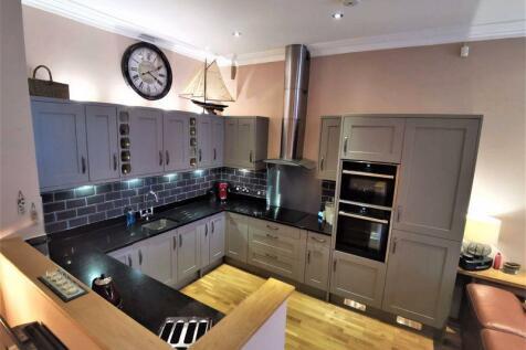 King Albert Chambers, Jameson Street, Hull. 2 bedroom flat for sale