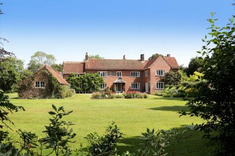 Ashley Green Road, Buckinghamshire, HP5. 7 bedroom farm house for sale