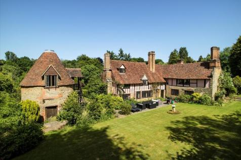 Hosey Common Road, Westerham, Kent, TN16. 7 bedroom detached house for sale