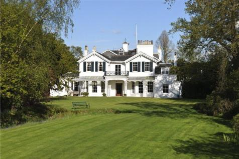 The Green, Langton Green, Tunbridge Wells, Kent, TN3. 8 bedroom detached house