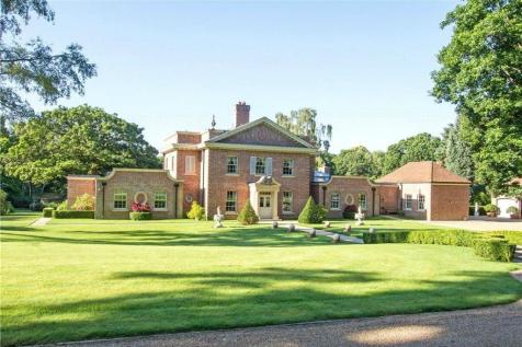 Upper Durford Wood, Petersfield, West Sussex, GU31. 5 bedroom detached house