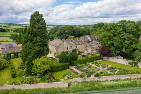 High Street, Gilling West, Richmond, North Yorkshire, DL10. 6 bedroom detached house for sale