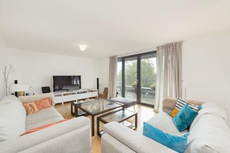Princes Gardens, Knightsbridge, London, SW7. 3 bedroom flat