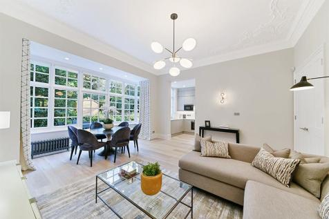 Bracknell Gardens, Hampstead, NW3. 2 bedroom flat