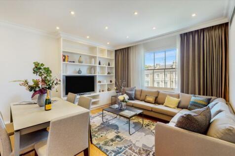 Warwick Gardens, Kensington, London, W14. 2 bedroom flat