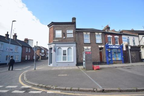 Park Street, Luton. 5 bedroom block of apartments
