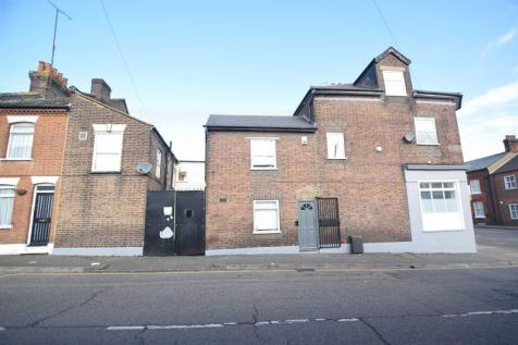 Park Street, Luton. 11 bedroom block of apartments for sale