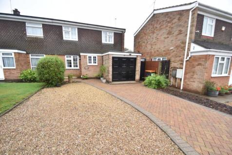 Ross Way, Luton. 3 bedroom semi-detached house
