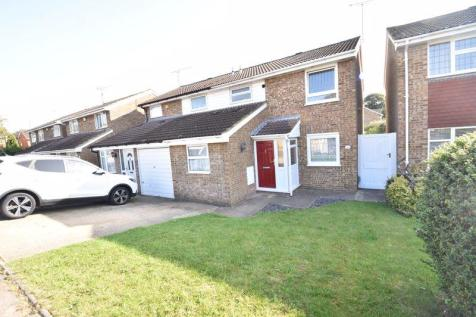 Brill Close, Luton. 3 bedroom semi-detached house