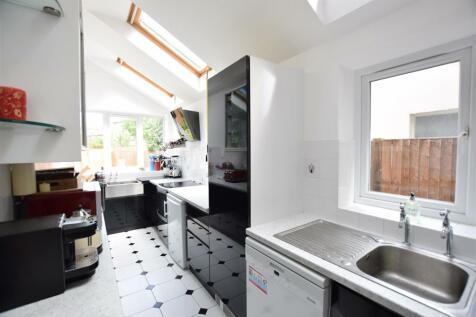 Berrylands Road, Surbiton. 5 bedroom semi-detached house