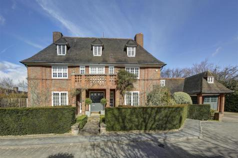 Linnell Drive, Hampstead Garden Suburb NW11. 6 bedroom house for sale