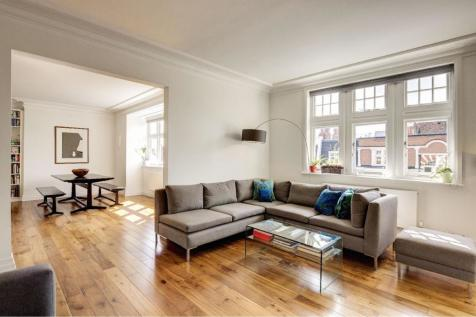 Marlborough Mansions, Cannon Hill, West Hampstead, NW6. 4 bedroom flat for sale