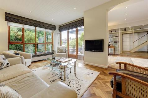 West Heath Gardens, Hampstead NW3. 4 bedroom house for sale