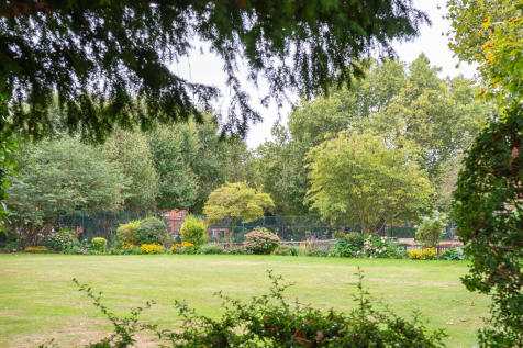Melbourne Mansions, Queens Club Gardens, London, W14. 3 bedroom flat