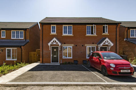 Samuel Armstrong Way, Crewe, CW1. 3 bedroom semi-detached house
