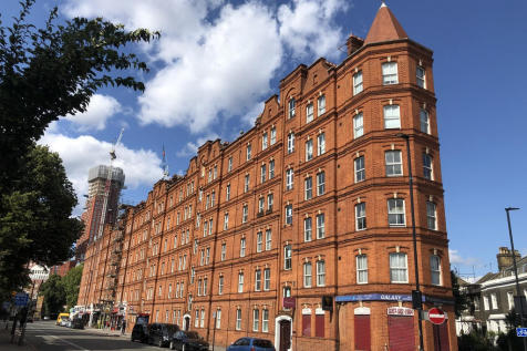 South Lambeth Road, London, SW8. 2 bedroom flat
