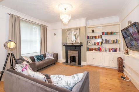 Old Brompton Road, London, SW5. 2 bedroom flat