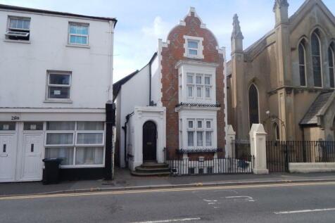 Cavendish Place. 1 bedroom flat
