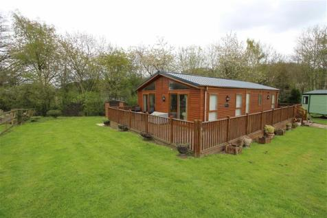 12, Maple Court, Pentrebeirdd, Welshpool, Powys, SY21, Mid Wales - Chalet / 2 bedroom chalet for sale / £95,000