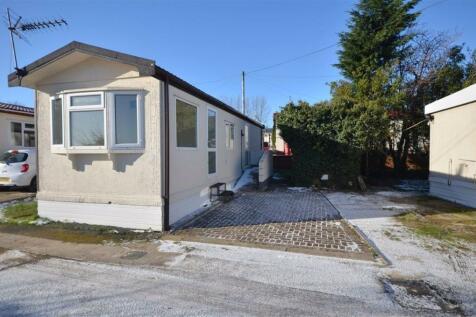 West Park Homes, Darrington, WF8. 2 bedroom property