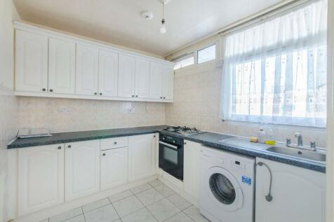 Unwin Close, Peckham, London, SE15. 3 bedroom maisonette
