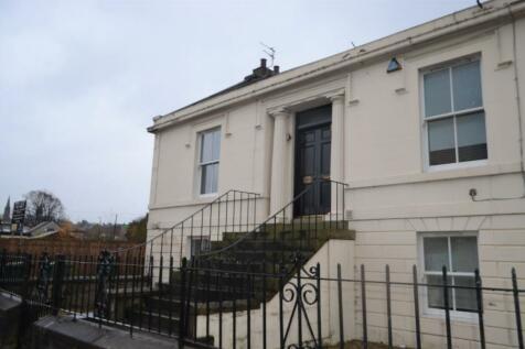 Grahams Road, Falkirk, FK1. 2 bedroom flat