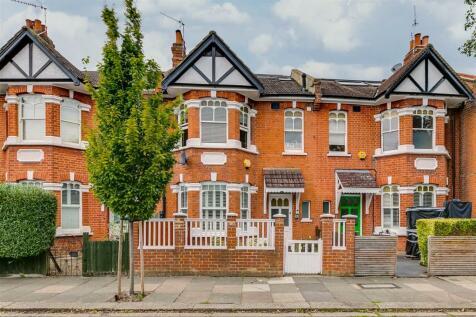 Kingscote Road, London, W4. 2 bedroom flat for sale
