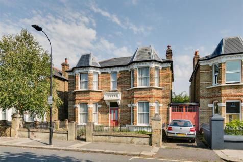 Rylett Road, London, W12. 5 bedroom detached house