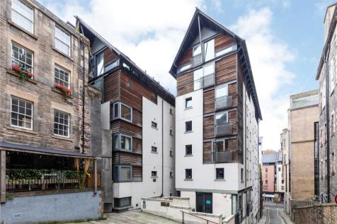 Old Fishmarket Close, Edinburgh. 2 bedroom apartment for sale