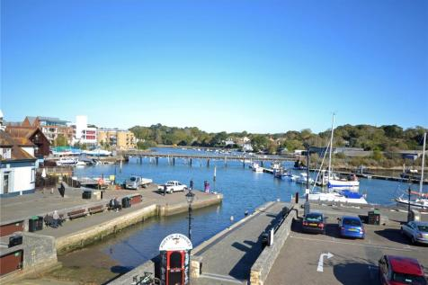 Admirals Court, Quay Road, Lymington, Hampshire, SO41. 3 bedroom apartment for sale