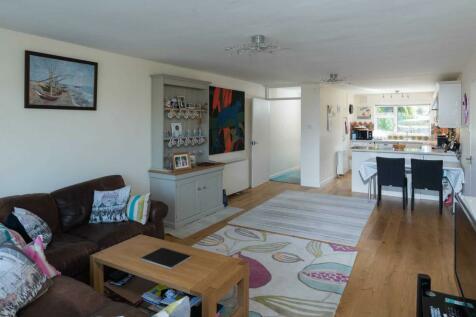 Darlington Road. 2 bedroom apartment