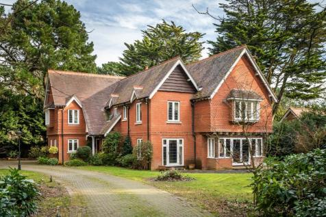 Wilderton Road, Poole, BH13. 5 bedroom detached house