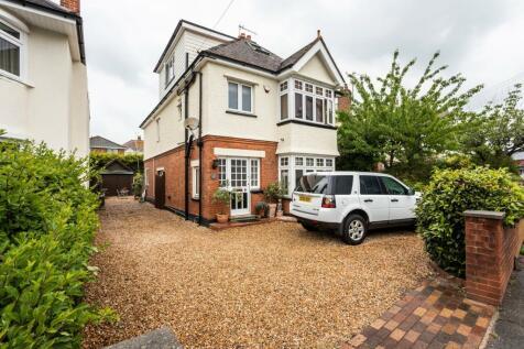 Sandbanks Road, Poole, BH14. 4 bedroom detached house