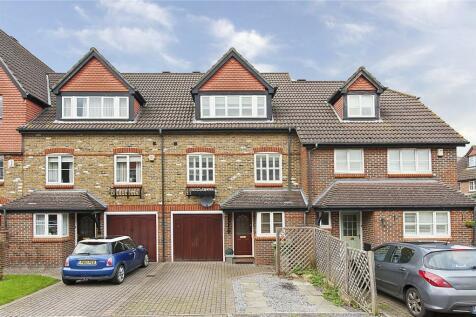 Virginia Place, Cobham, Surrey, KT11. 4 bedroom terraced house